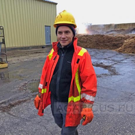 Дмитрий - один из лучших специалистов по приготовлению компоста, который встретился мне за всю мою работу в этой отрасли. Его преданность компостному производству не перестает меня восхищать.
